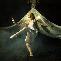 Танец :: Евгений Кесарев