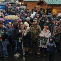 Дождик праздник не испортил :: Екатерина Исаенко