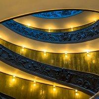 """Лестница Момо в Ватикане (2-ой вариант вида с боку). Из серии """"VATICAN"""" :: Ашот ASHOT Григорян GRIGORYAN"""