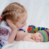 Наташа с братиком:) трогательно... :: Татьяна Ковальская