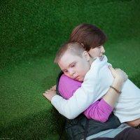 Очень важные объятия :: Анна Тихонова