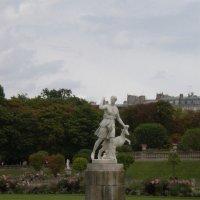 В Люксембургском Саду :: Алёна Савина