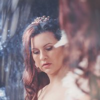 Девушка у зеркала :: Ирина Шумилина