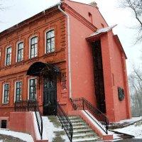 Неприметное  здание :: Vladimir Semenchukov