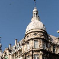 Красивое здание рядом с рыночной площадью :: Witalij Loewin