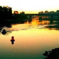 вечерняя река :: Евгений Р
