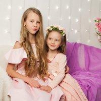 Карина и Дарина :: Ирина Цветкова