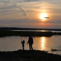 На вечерней рыбалке с бабушкой :: Elvira Tabisheva Peirano