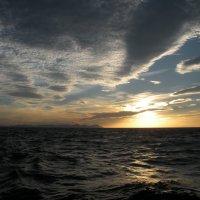 средиземное  море на закате :: Виталий  Селиванов