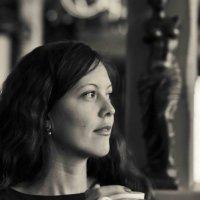 Чёрно-белый портрет в кафе. :: Константин Лавренчук