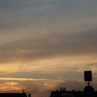 Вечернее небо в Праге. :: Julia Pantushenko