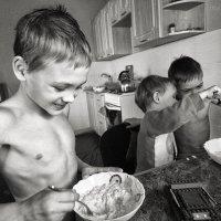 За обедом :: Оксана Коваленко