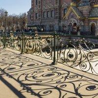 Твоих оград узор чугунный... :: Наталья Иванова
