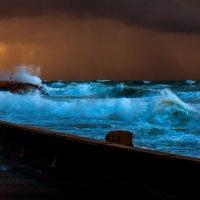 Пыльная буря на морском побережье :: Юрий Вайсенблюм