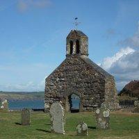 Средневековая часовня на острове :: Natalia Harries