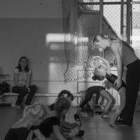 занятия в танцевальной студии :: Irina Zubkova