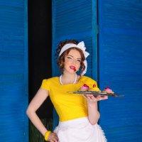 продавщица пирожных) :: Мария Корнилова