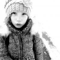 Зимний портрет дочки :: Ольга Алеева