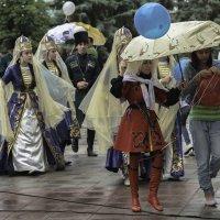 Дождь шоу - не помеха ... :: Владимир КРИВЕНКО