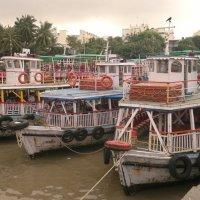 Корабли у причала Мумбай :: maikl falkon