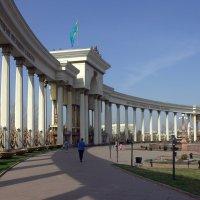 колоннада :: Сергей Савич.