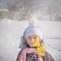 Падает снег :: Olga Zhukova