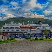 Туристический корабль в Тромсё :: Надежда Лаптева