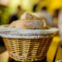 Ночное кафе. Итальянский хлеб :: Сергей Михайлов