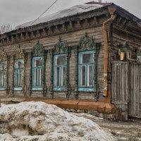 Старый дом с ажурным фасадом. :: Андрей Лобанов