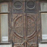 Старая дверь в Новочеркасске. :: Береславская Елена
