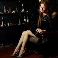 Дама в кресле :: Дмитрий Любименко