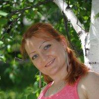 Портрет рядом с березкой :: Сергей Тагиров