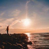 Девочка и море :: Любовь Погодина