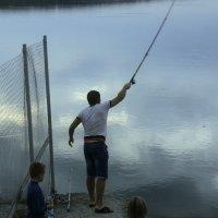 Семейная рыбалка :: Ирина Зайцева