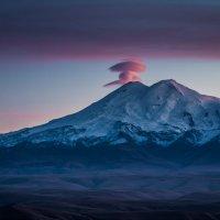 Гора Эльбрус. Вид с плато Бермамыт :: Александра Михайлова