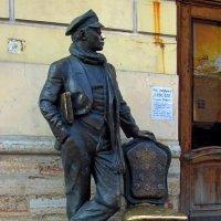 Памятник Остапу Бендеру :: Сергей Карачин