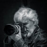 В поиске сюжета. :: Владимир Батурин