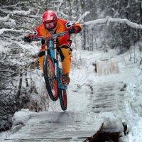 Зимний даунхилл  [репортаж] :: Андрей Чуманов