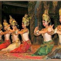 Танец Апсара :: Евгений Печенин