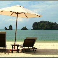 Пляж на острове Лангкави :: Евгений Печенин