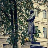 Памятник А.С.Пушкину на площади Искусств в Санкт-Петербурге. :: Andrei Dolzhenko