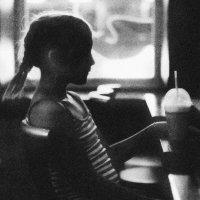 В кафе.. :: Юлия Холодкова