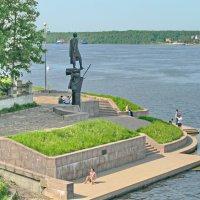 Памятник Александру Невскому :: Олег Попков