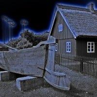 Старая рыбацкая лодка :: Виталий Латышонок