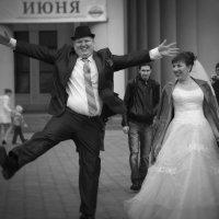 """ах эта свадьба..."" :: Павел Сухоребриков"