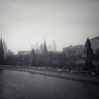 Дымка над столицей :: Андрей Новый