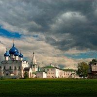 Суздальский кремль :: Виктор Перякин