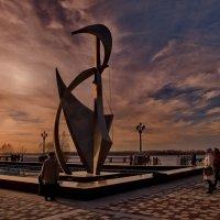 Обновленный фонтан на старой набережной :: Александр Сендеров