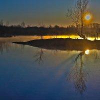 туманное утро на озере :: Евгений Григорьев