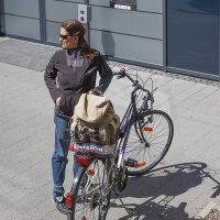woman and bicycle :: Дмитрий Карышев